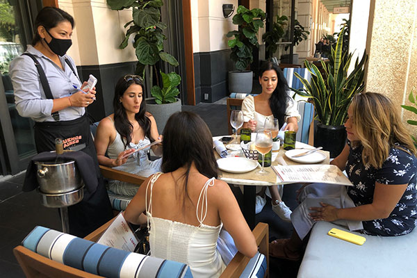Baires-Grill-Coral-Gables-carrusel-3
